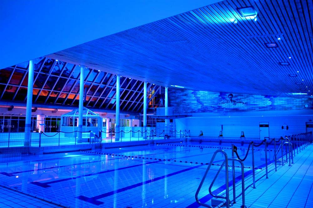 Светодиодное освещение для помещений с бассейнами 30